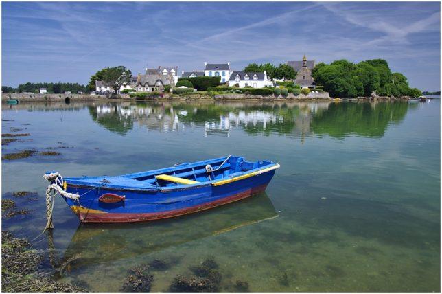 Boot vor der Insel Saint-Cado,