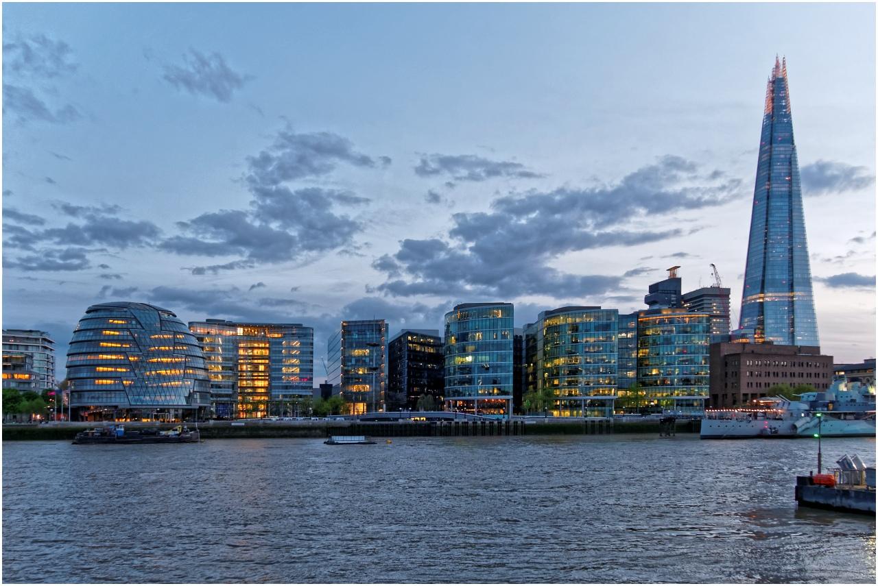 Blick über die Themse zur City of London