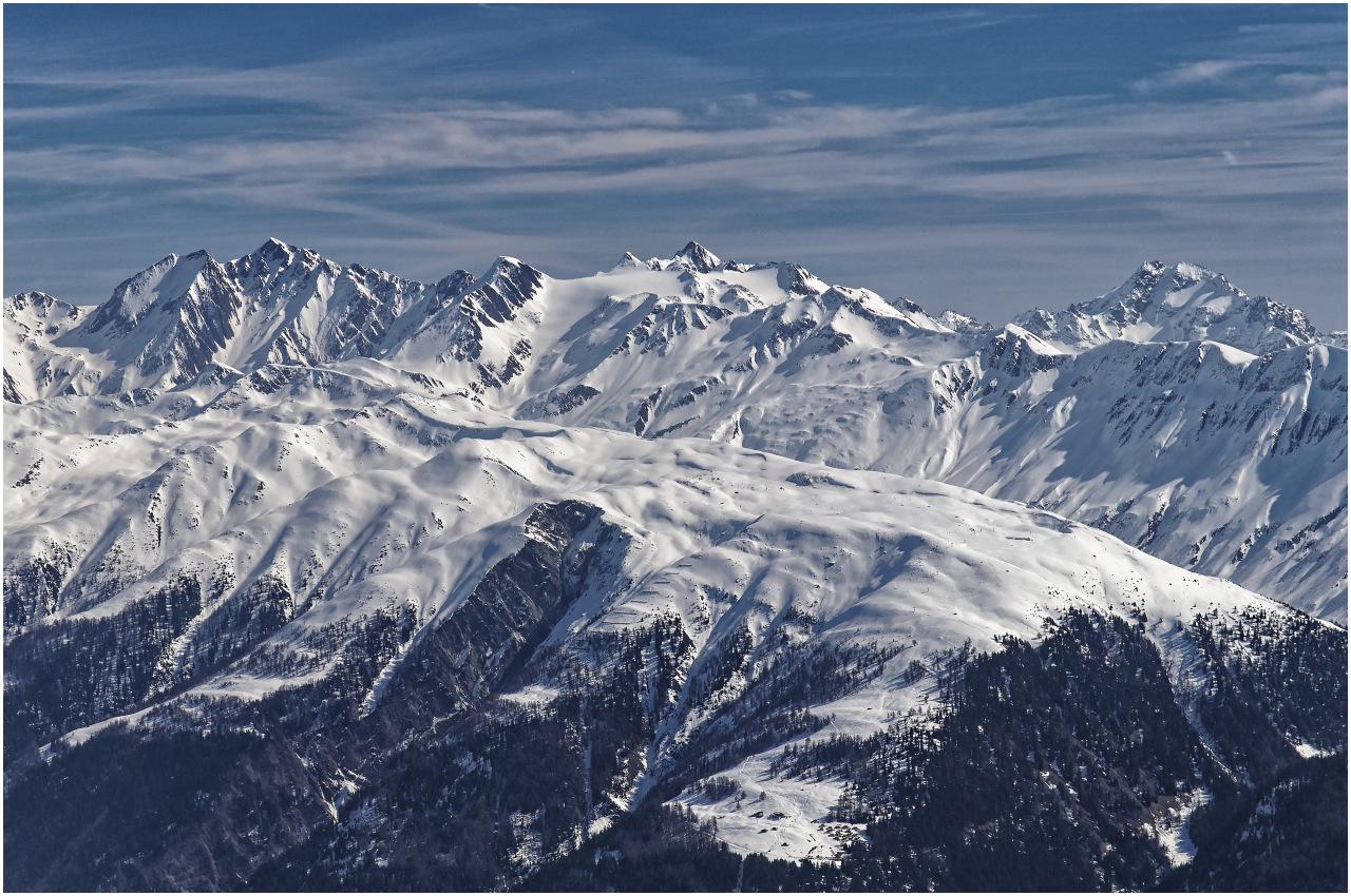Ausblick in Richtung Süden zu den Gipfeln über dem Goms