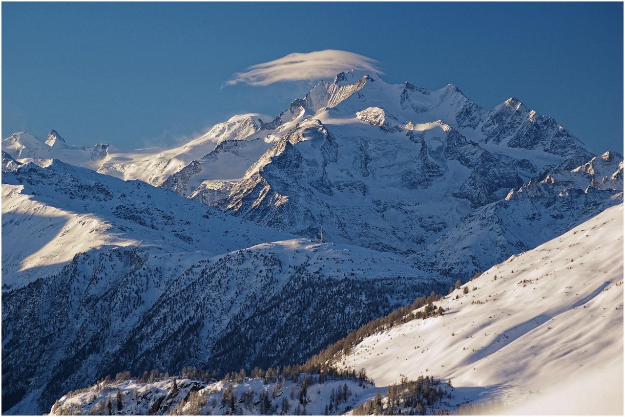 Blick zur Mischabelgruppe mit dem Dom (4545m)