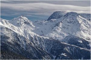 Rundum imposante, verschneite Gipfelwelten