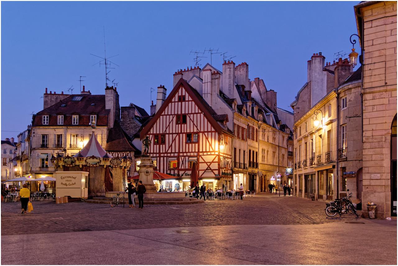 Place François Rude und Rue des Forges