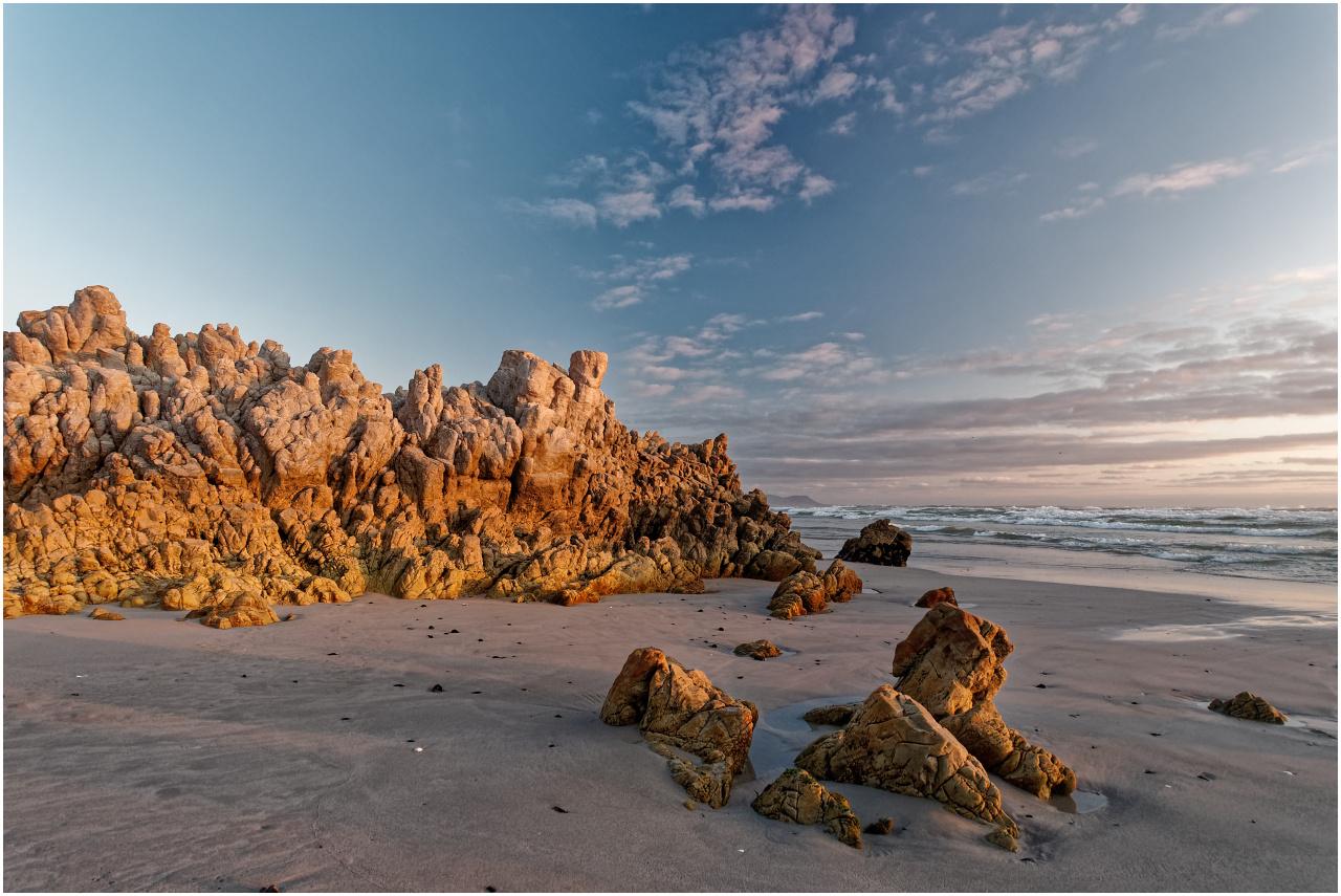 Der Höhepunkt: Kurz vor Sonnenuntergang am Grotto Beach