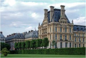 Beim Louvre