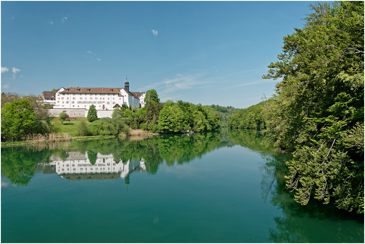Blick vom Dominilochsteg zum Kloster Hermetschwil