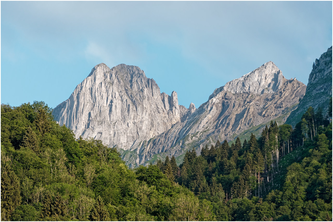Imposante Gipfel oberhalb Luchsingen