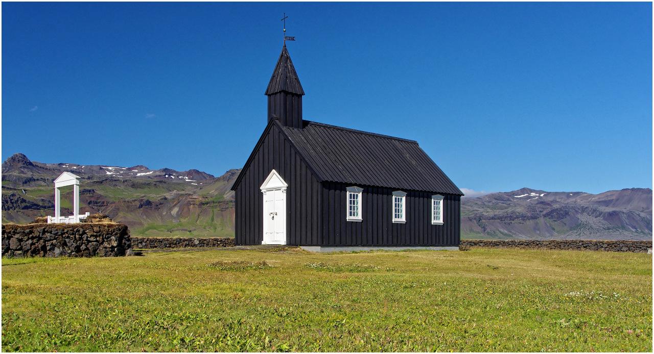 Die Holzkirche von Buðir...