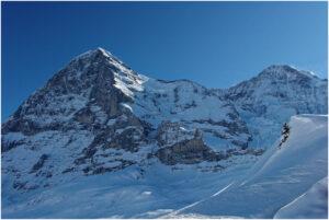 Blick von der kleinen Scheidegg zu Eiger und Mönch