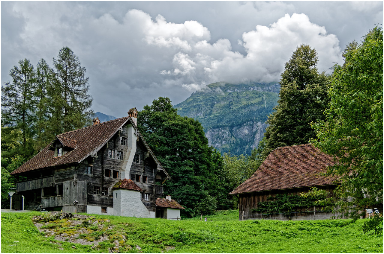 Historische Häuser im Ballenberg