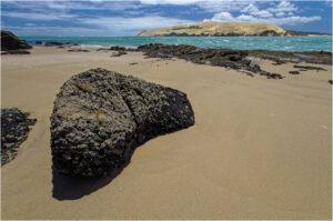 Aus der Nähe wirken sogar kleine Felsen gigantisch