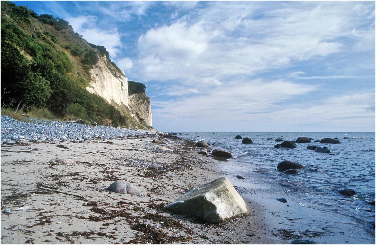 Der Strand unterhalb der Kreideklippen