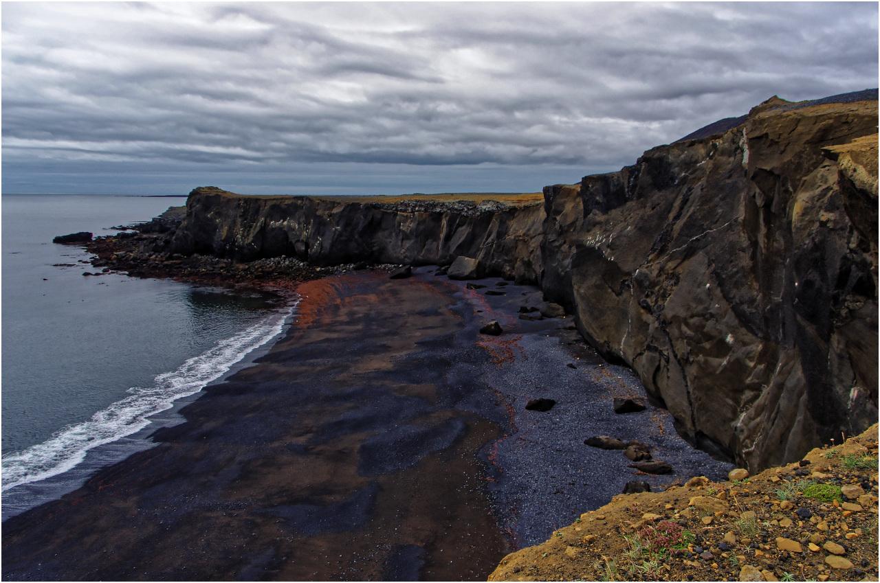 Schwarzer Strand bei Grindavík