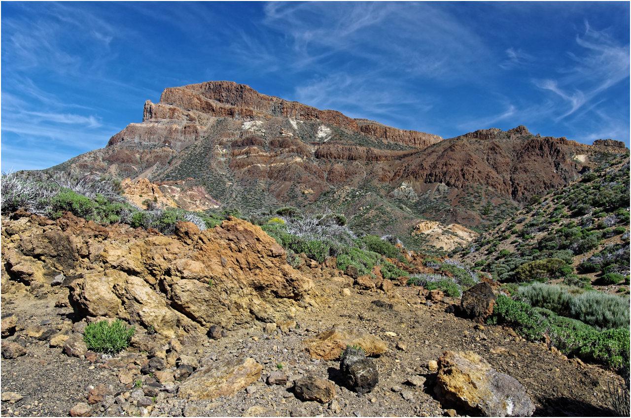 Auf der anderen Seite Strasse bei den Paradores lockt die Landschaft der Cañadas del Teide